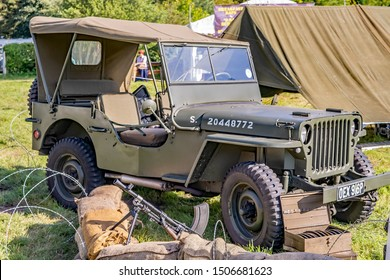 Holt, Norfolk, UK – September 14 2019. 1940s military jeep and machine gun on display at the forties weekend in Holt Norfolk