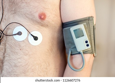 Holter monitor device and daily blood pressure recorder on human