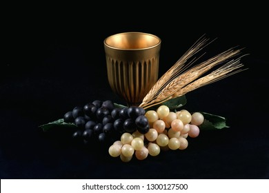 Holy Grail with grapes