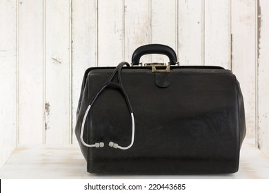 Home call, doctor's bag with stethoscope