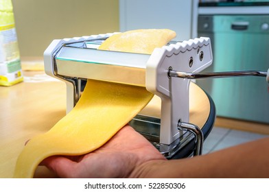 Home cooking rolling fresh pasta
