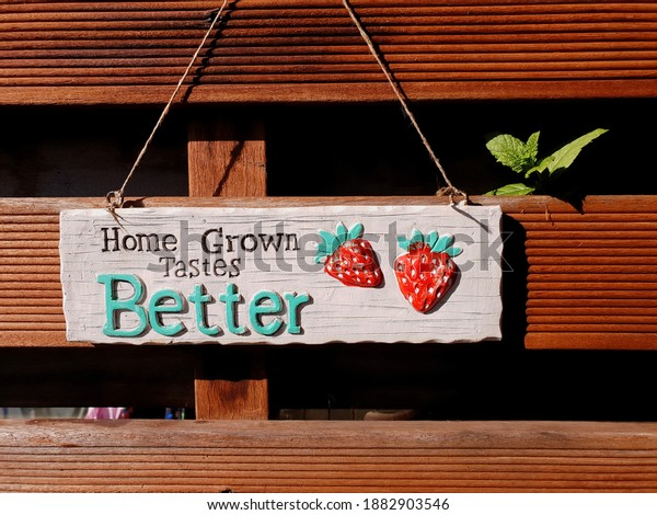 home-grown-tastes-better-sign-600w-18829