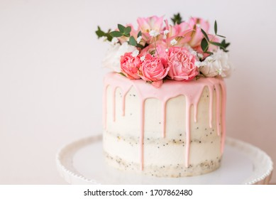 Home made decorate beautiful flowers cakes on wood background for Valentine Day Birthday Wedding and Festive selective focus and copy space