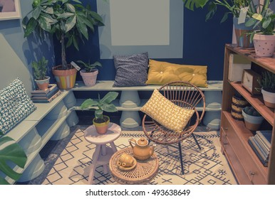 home patio with domestic objects