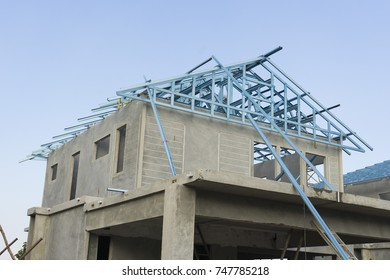 home roof structure under construction
