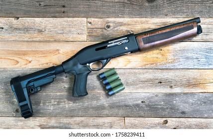 Home security 12 gauge short barrel semi- auto firearm/ shotgun.
