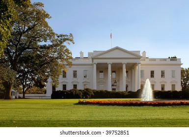 The home of the United States President, the White House, North lawn.