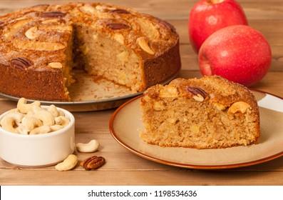 Hausgemachter Weizenmehl mit Äpfeln, Zimt, Kaskaden und Pekannuten