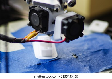 Homemade 3D printer is printing the model