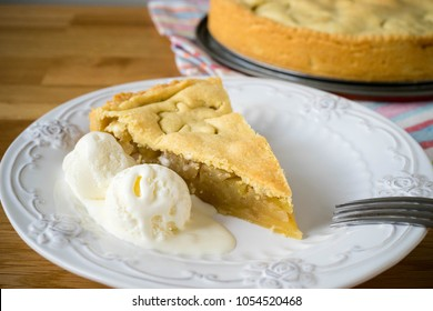 Homemade apple pie with ice cream