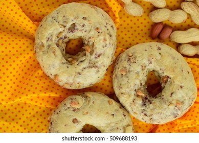 Homemade bagel with peanuts