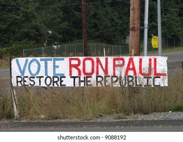 Homemade banner supporting Ron Paul for US President