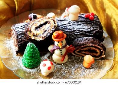 homemade buche de noel, chocolate yule log christmas cake