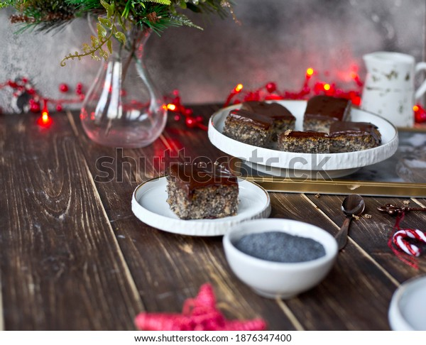 Homemade cake with poppy seeds and apples. Poppy seed cake. The perfect cake for Christmas. Fruit cake. Fit dessert.
