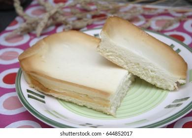 a homemade cheese cake with quark