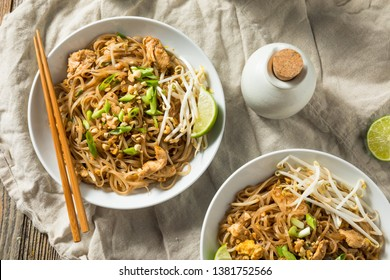 Homemade Chicken Pad Thai with Bean Sprouts and Peanuts