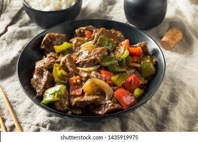 Steak de poivre chinois maison au riz blanc