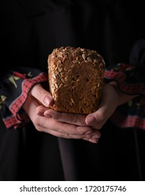 homemade fresh bread in the hands