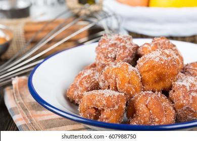 Fritas caseras con azúcar y sus ingredientes