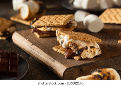 Homemade Gooey S'mores with Chocolate and Marshmallows