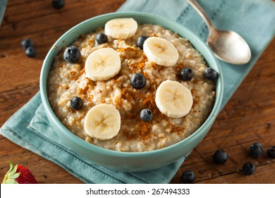 Homemade Healthy Steel Cut Oatmeal with Fruit and Cinnamon