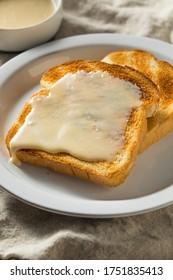 Beurre de sirop d'érable fait maison prêt à manger