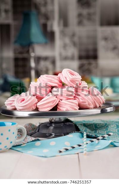 Homemade marshmallows. Pink marshmallows. Homemade sweets.