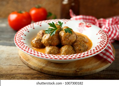 Homemade meatballs with tomato and cream sauce