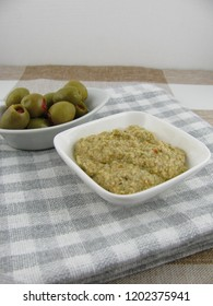 Homemade olive paste with yogurt
