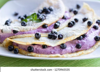 Homemade pancakes with bluberries