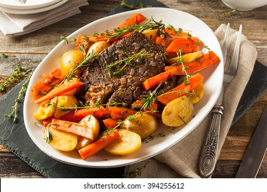 Homemade Slow Cooker Pot Roast with Carrots and Potatoes