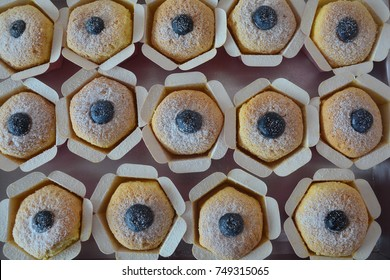 Homemade vanilla cup cake with fresh blueberry