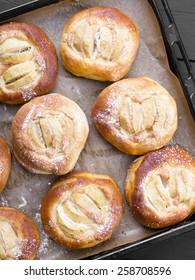 homemade yeast cakes