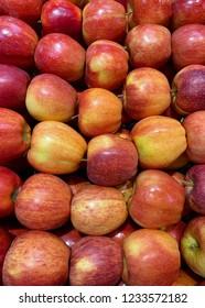 Honeycrisp apples for sale at the market