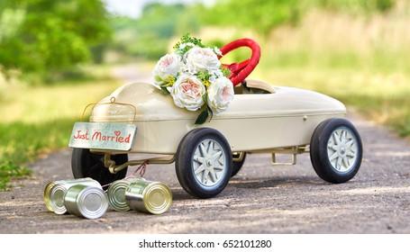 honeymoon car, pedal car with wedding decoration