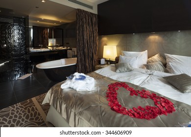 Honeymoon Suite Images Stock Photos Amp Vectors Shutterstock