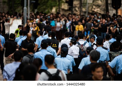 Hong Kong extradition protests: Thousands join Kowloon march on 7 July 2019
