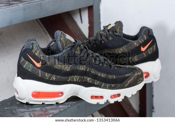 nike air max 95 carhartt stockx