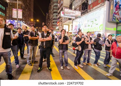 HONG KONG, OCT 16: Hongkong police beware a many protesters in Mong Kok on 16 October 2014. during Umbrella revolution, they will control protest do not make illegal.