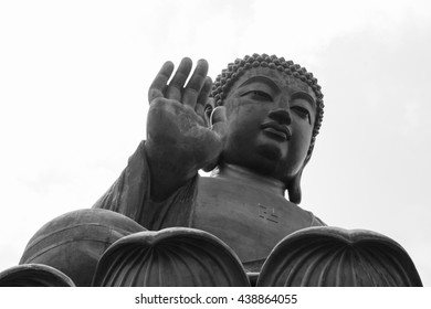 HONG KONG - OCTOBER 02, 2015: Tian Tan Buddha.