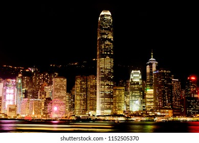 HongKong/China-2018/04/06:Night view of Victoria Harbor in Hong Kong