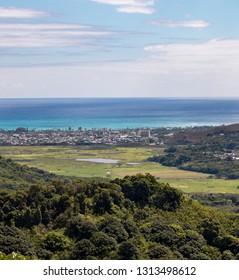 Honolulu coastline from Nu'uanu Pali lookout, O'ahu, Hawaii
