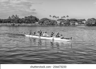 Honolulu, Feb. 28:  Women paddlers practice for the upcoming Hawaii State Outrigger Canoe Championship.  Honolulu, Hawaii, USA.  February 28, 2015.