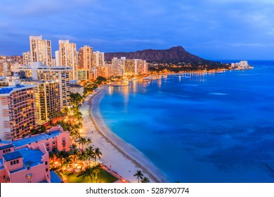 Honolulu, Hawaii. Skyline of Honolulu, Diamond Head volcano .