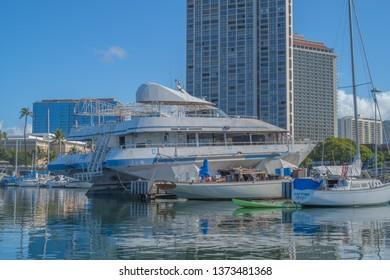 Honolulu, Hawaii, USA.  Apr. 18, 2019.  State of Hawaii impound docks in the decaying Ala Wai Harbor in Waikiki.