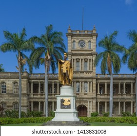 Honolulu, Hawaii, USA.  June 2, 2019.  Hawaii State Court Building with the statue of King Kamehameha standing in front.