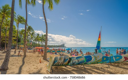 Honolulu, Hawaii, USA, Nov. 19, 2017.  Waikiki Beach scene on a warm Winter morning as tourists and residents gather for a day in the sun and surf.