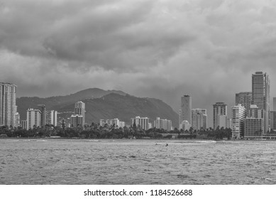 Honolulu, Hawaii, USA.  Sept.  20, 2018.  Tropical rain showers over Waikiki and the Manoa Valley in Black and White.