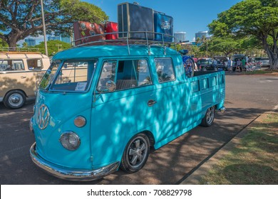 02c1fc424c Honolulu Bus Stock Photos