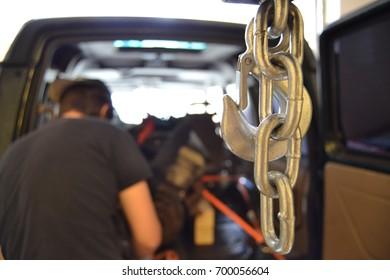 Hook Garage Chain